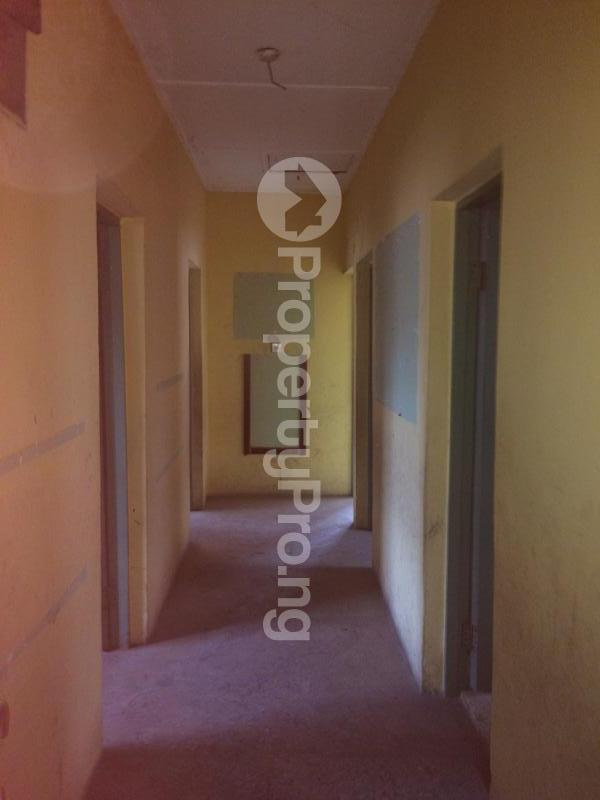 3 bedroom Flat / Apartment for sale Akinremi Street Ogba. Ogba Bus-stop Ogba Lagos - 10