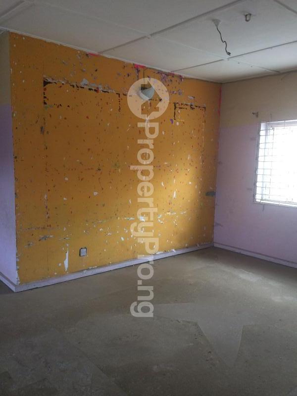 3 bedroom Flat / Apartment for sale Akinremi Street Ogba. Ogba Bus-stop Ogba Lagos - 2