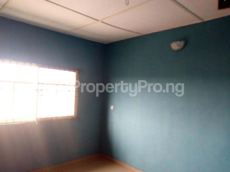 3 bedroom Flat / Apartment for rent Sharp corner, inuolaji Oluyole Estate Ibadan Oyo - 5