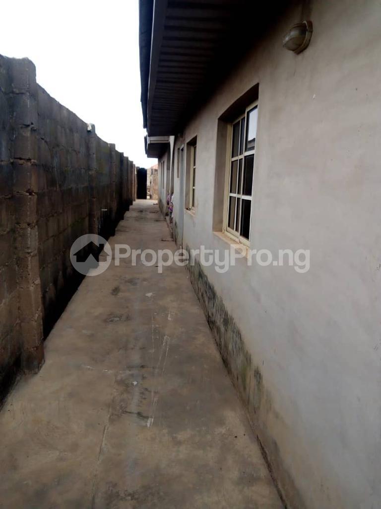 2 bedroom Detached Bungalow House for sale Kasumu zone C off tipper garage Akala express Ibadan Oluyole Estate Ibadan Oyo - 2