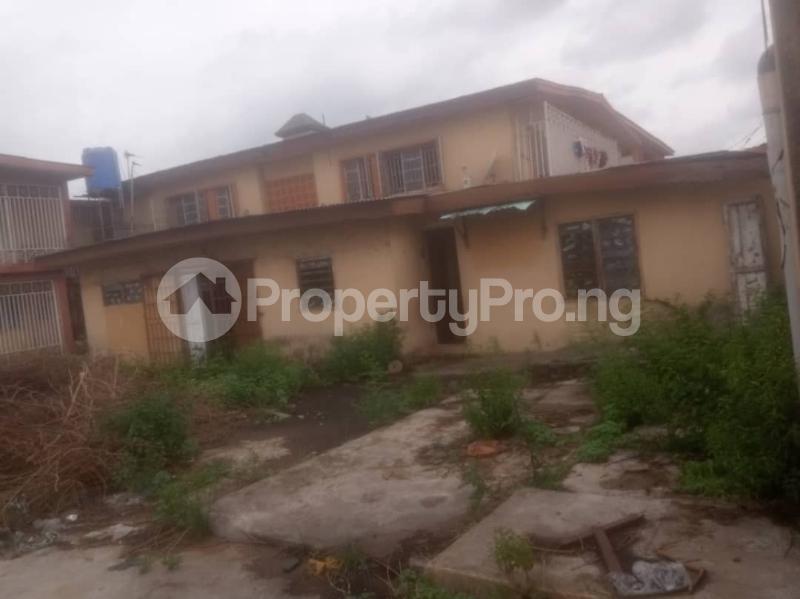 3 bedroom Blocks of Flats for sale Victoria Street Close To Emmanuel High Street Ogudu Road Ojota Lagos - 3