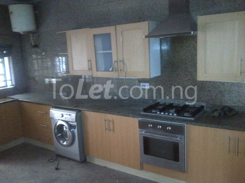 3 bedroom House for rent At LSDPC Maryland Estate Maryland Lagos - 3