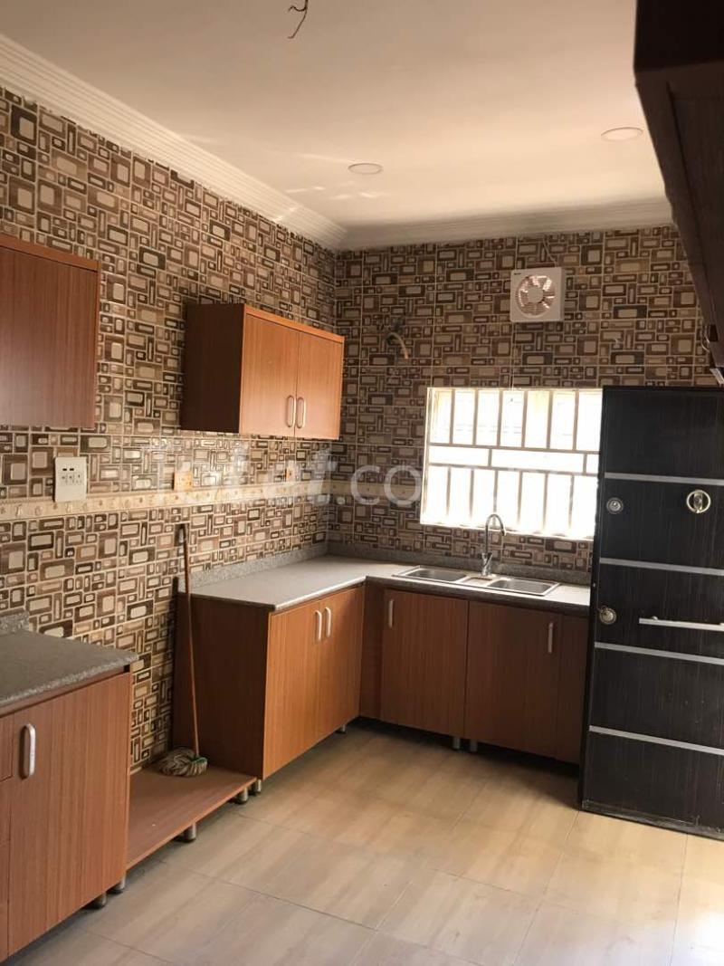3 bedroom Flat / Apartment for sale By VIO office Mabushi Abuja - 8