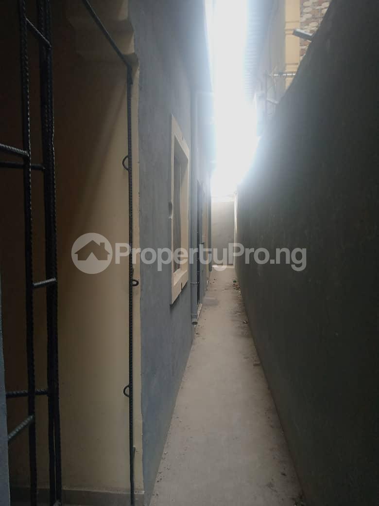 2 bedroom Mini flat Flat / Apartment for rent Ijesha Surulere Lagos - 7