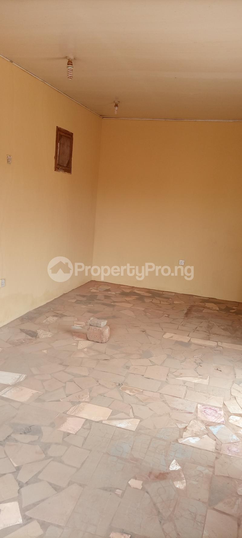 1 bedroom Workstation for rent S Akobo Ibadan Oyo - 4