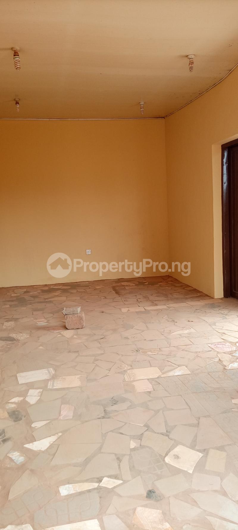 1 bedroom Workstation for rent S Akobo Ibadan Oyo - 2