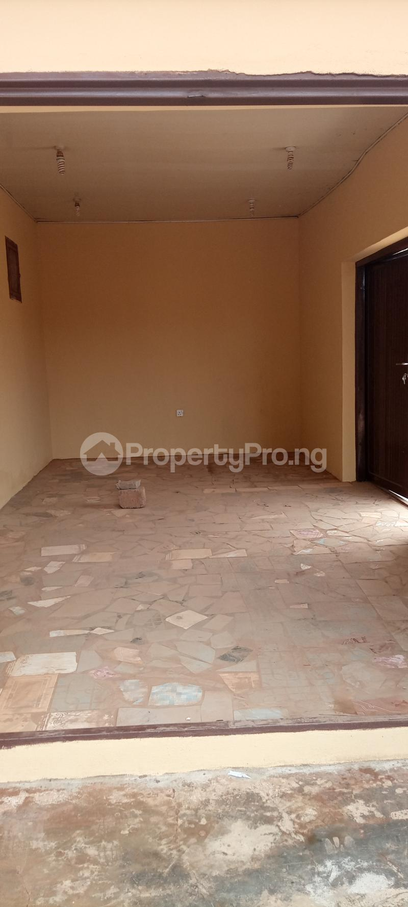 1 bedroom Workstation for rent S Akobo Ibadan Oyo - 3