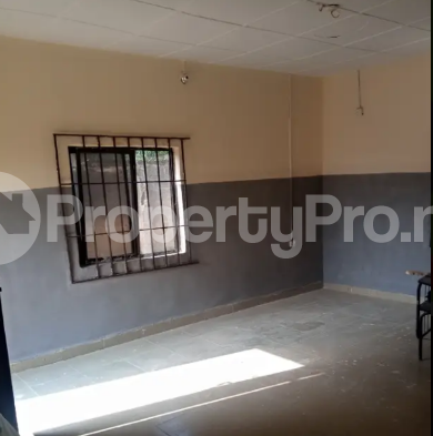 Self Contain Flat / Apartment for rent lugbe behind premier accademy fha. Lugbe Abuja - 4