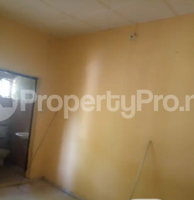 Self Contain Flat / Apartment for rent lugbe behind premier accademy fha. Lugbe Abuja - 2