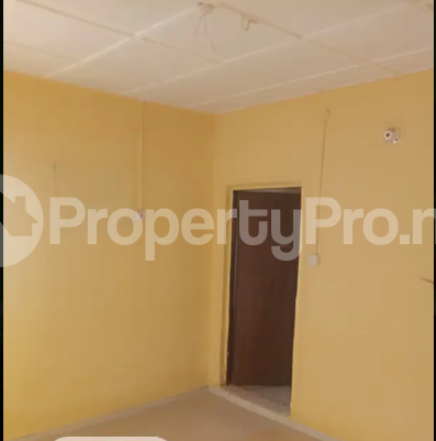 Self Contain Flat / Apartment for rent lugbe behind premier accademy fha. Lugbe Abuja - 3
