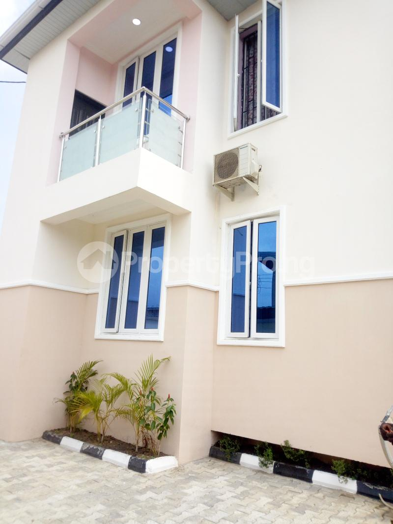 2 bedroom Flat / Apartment for rent Pedro road  (famous bus stop axis ) Palmgroove Shomolu Lagos - 5