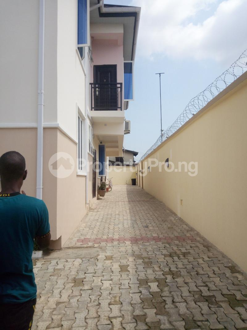 2 bedroom Flat / Apartment for rent Pedro road  (famous bus stop axis ) Palmgroove Shomolu Lagos - 0