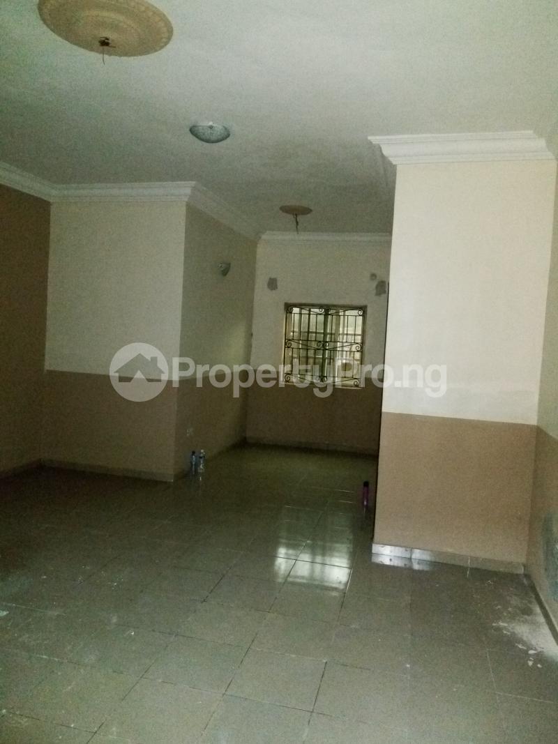 2 bedroom Flat / Apartment for rent An Estate in Abijo after Crown Estate in Ajah axis Lekki.  Abijo Ajah Lagos - 1