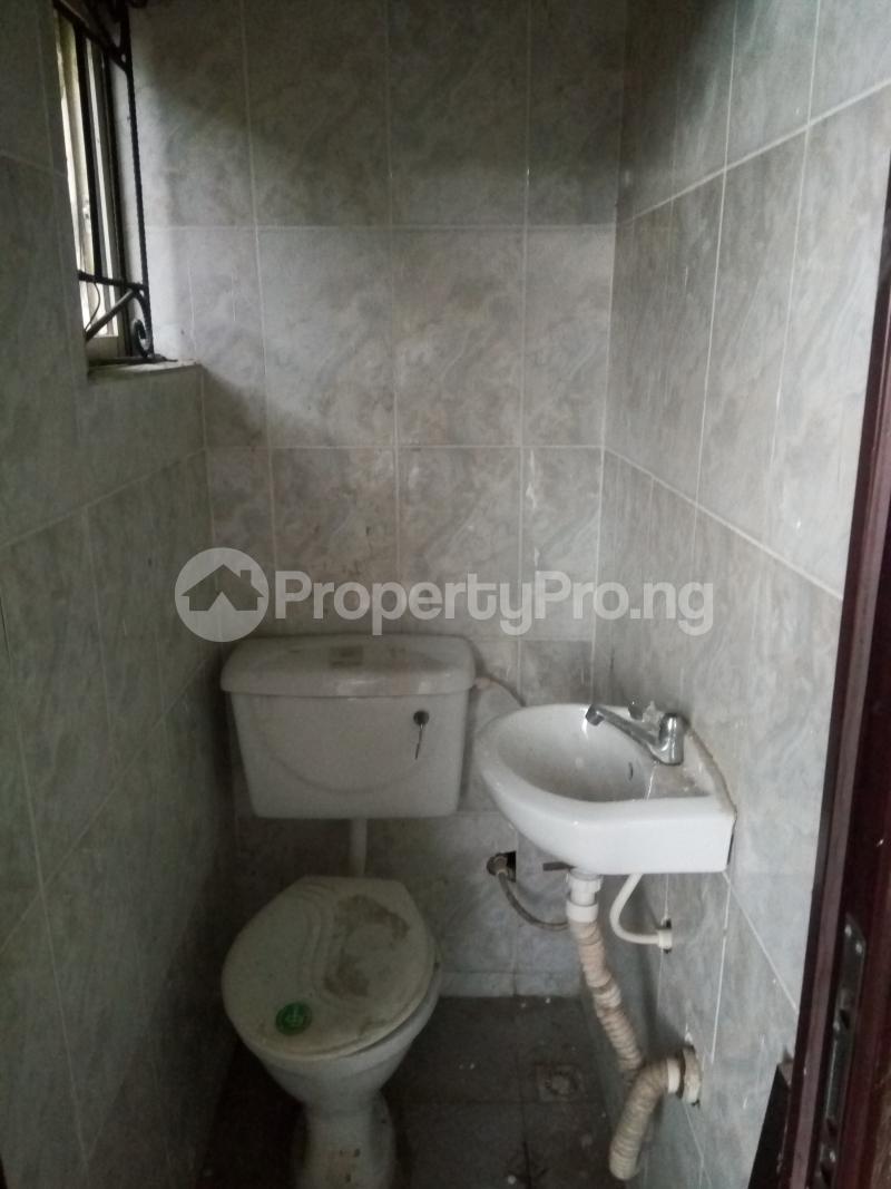 2 bedroom Flat / Apartment for rent An Estate in Abijo after Crown Estate in Ajah axis Lekki.  Abijo Ajah Lagos - 3