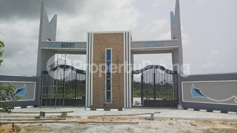 Land for sale Roseberry Estate Ibeju Lekki LaCampaigne Tropicana Ibeju-Lekki Lagos - 4