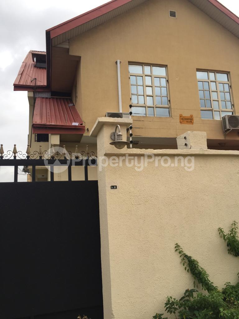 5 bedroom Semi Detached Duplex for sale Arowojobe Estate Mende Maryland Lagos - 2
