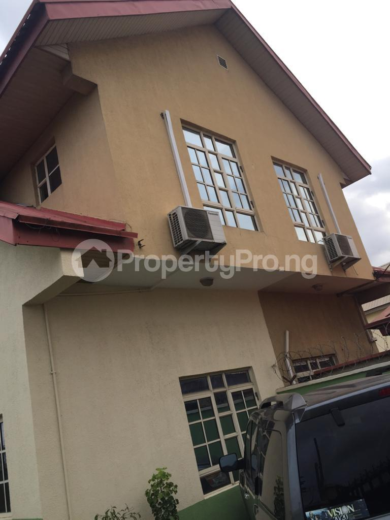 5 bedroom Semi Detached Duplex for sale Arowojobe Estate Mende Maryland Lagos - 0