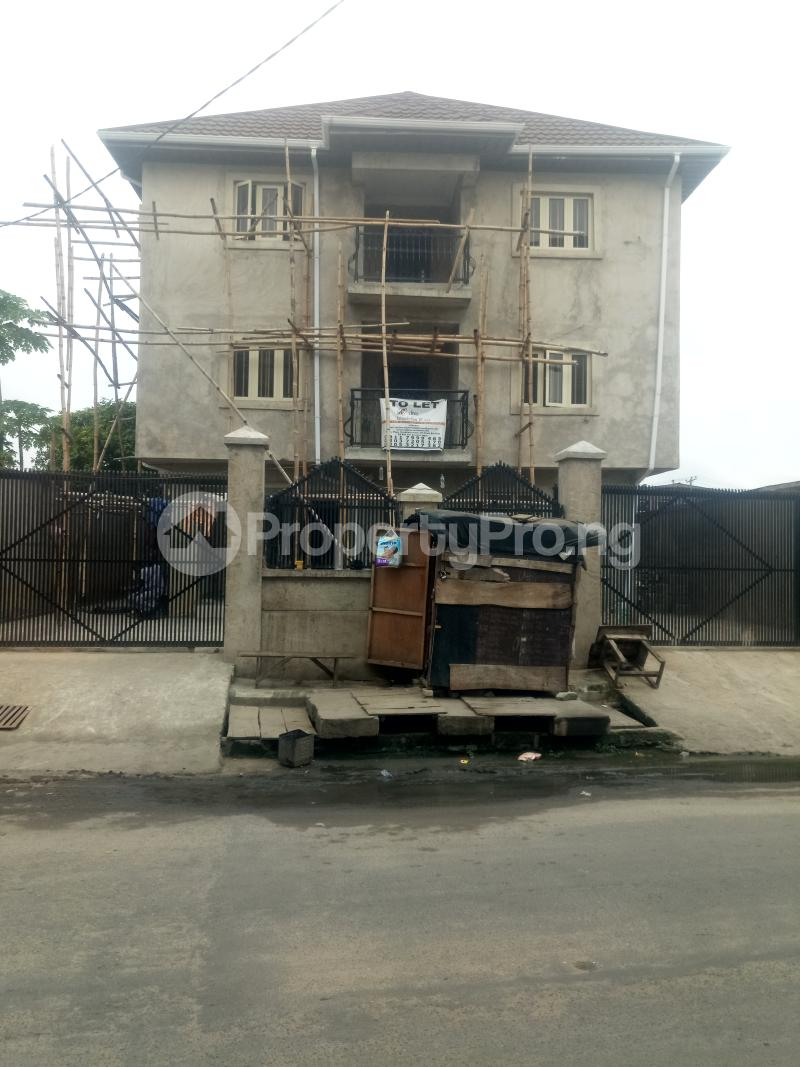 3 bedroom Blocks of Flats House for rent off Ishaga road Ojuelegba Surulere Lagos - 18