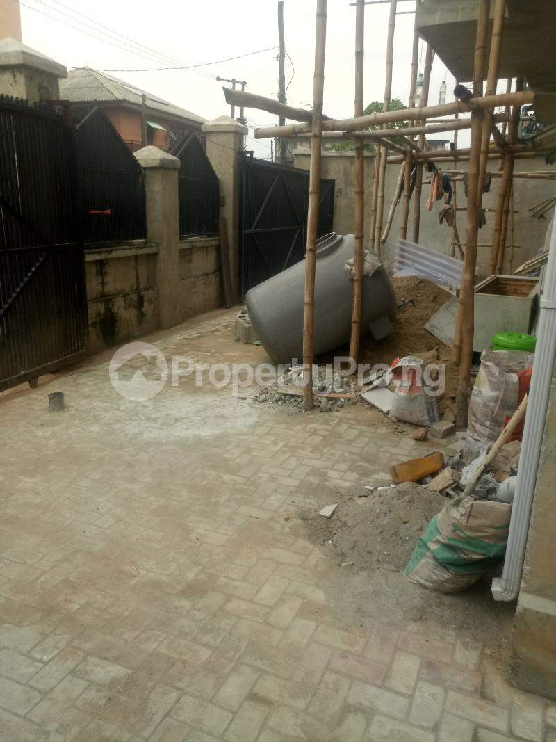 3 bedroom Blocks of Flats House for rent off Ishaga road Ojuelegba Surulere Lagos - 15