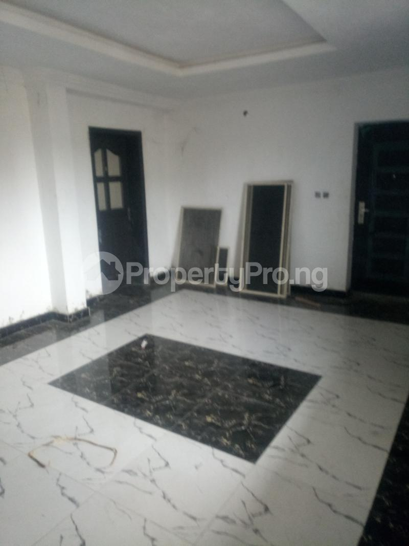 3 bedroom Blocks of Flats House for rent off Ishaga road Ojuelegba Surulere Lagos - 1