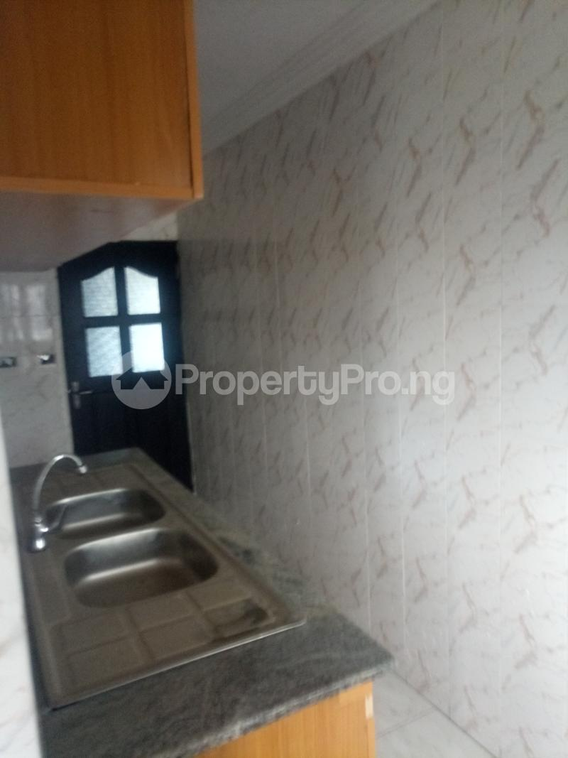 3 bedroom Blocks of Flats House for rent off Ishaga road Ojuelegba Surulere Lagos - 11