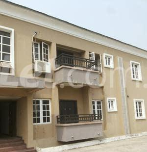 3 bedroom Shared Apartment Flat / Apartment for rent Onike Estate Onike Yaba Lagos - 12