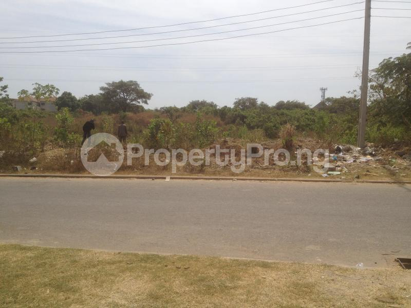 Commercial Land for sale Along Airport Toll Gate, Opposite Presidential Drive, Aviation Village, Abuja Lugbe Abuja - 0