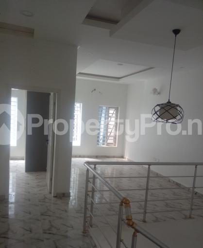 4 bedroom Semi Detached Duplex House for sale White Oak Estate,  Ologolo Lekki Lagos - 15