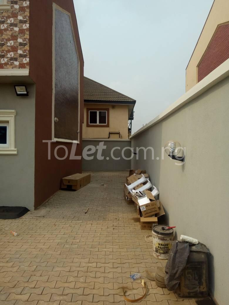 4 bedroom House for sale gateway zone Magodo Kosofe/Ikosi Lagos - 3