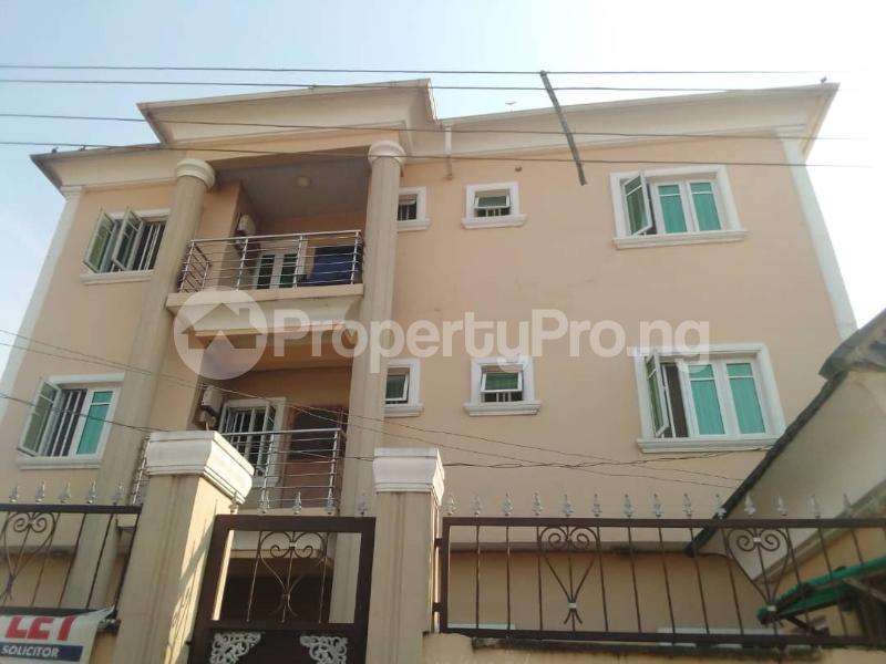 3 bedroom Flat / Apartment for rent Ayodele Street Mafoluku Oshodi Lagos - 0