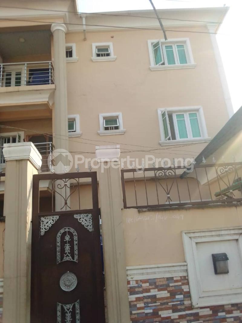 3 bedroom Flat / Apartment for rent Ayodele Street Mafoluku Oshodi Lagos - 1