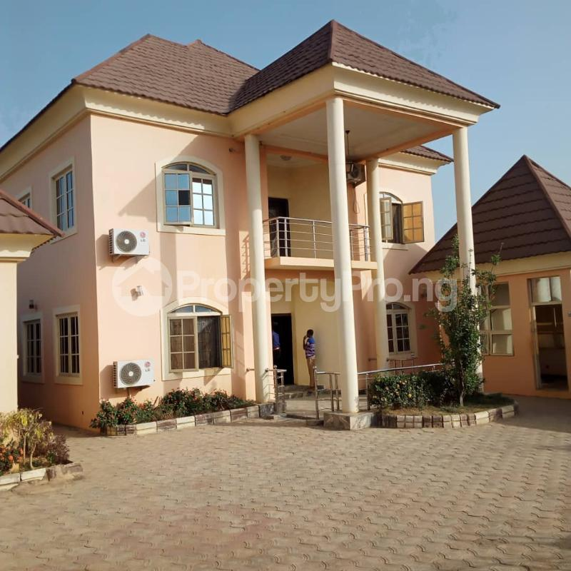 5 bedroom Detached Duplex for sale Nafdac Highcost Chikun Kaduna - 11