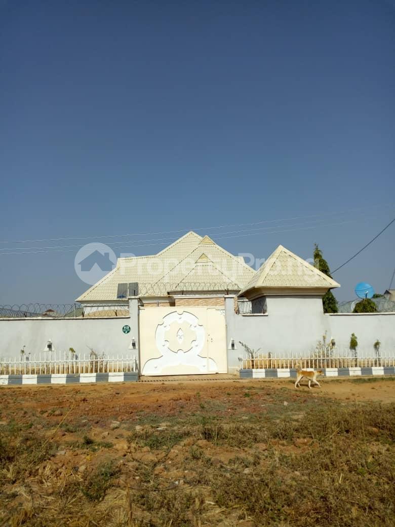 3 bedroom Detached Bungalow for sale Behind Living Faith Church Mahuta Extension Chikun Kaduna - 3