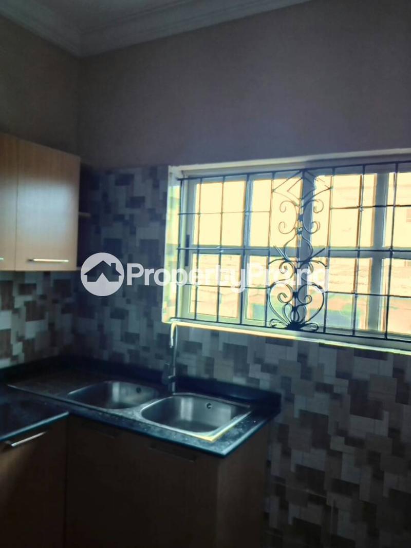 3 bedroom Flat / Apartment for rent Oluwadare  Fola Agoro Yaba Lagos - 14