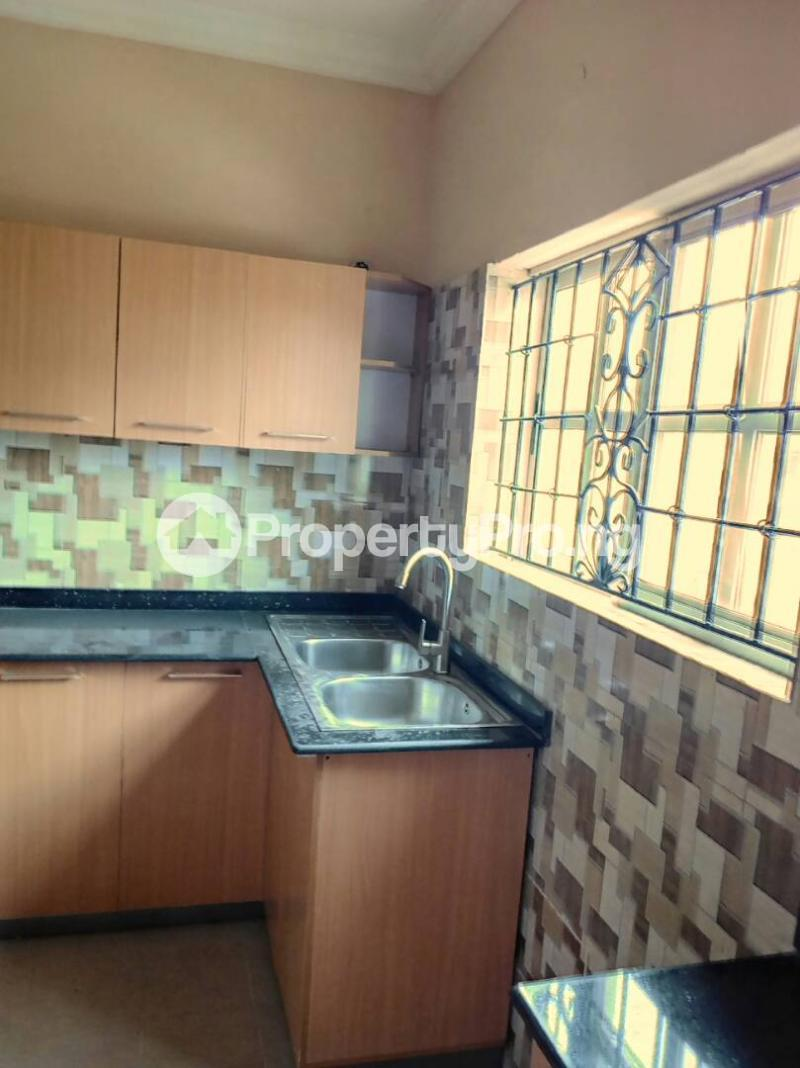 3 bedroom Flat / Apartment for rent Oluwadare  Fola Agoro Yaba Lagos - 10