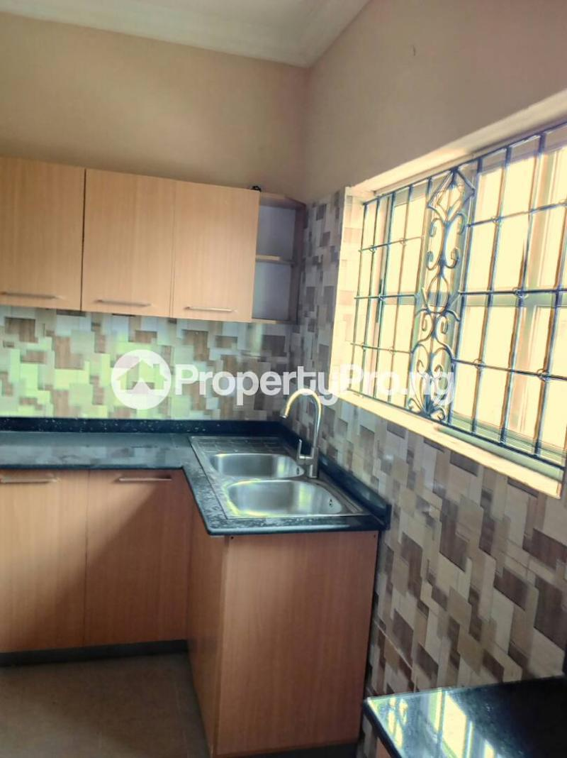 3 bedroom Flat / Apartment for rent Oluwadare  Fola Agoro Yaba Lagos - 15