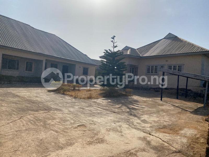 8 bedroom Detached Bungalow for sale Rantya Gyel, After Mining Quarters Jos South Plateau - 6