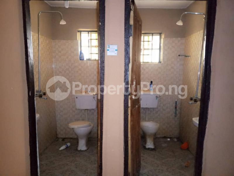 3 bedroom Blocks of Flats House for rent Lautech Area Ogbomosho Oyo - 7