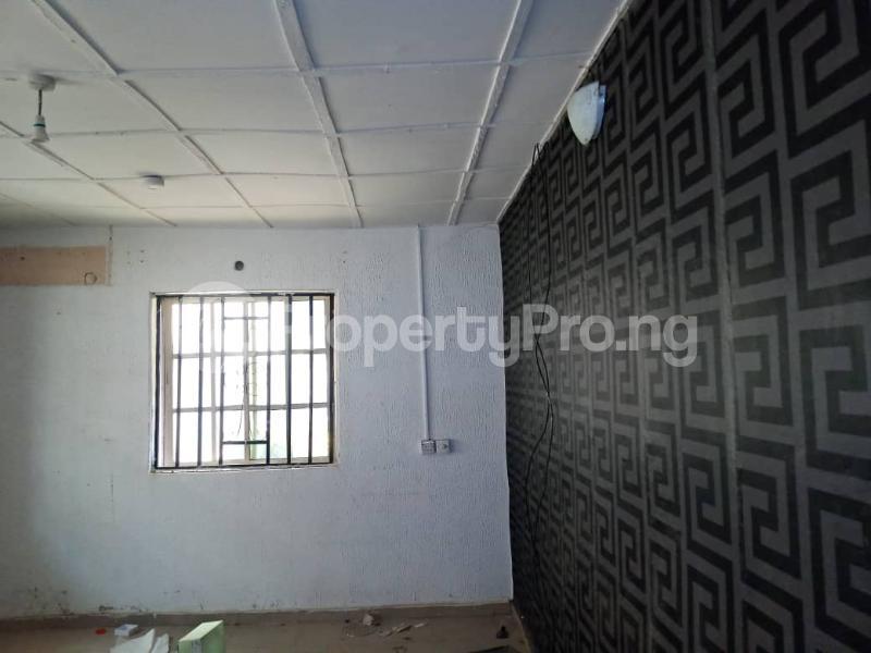 3 bedroom Blocks of Flats House for rent Lautech Area Ogbomosho Oyo - 5
