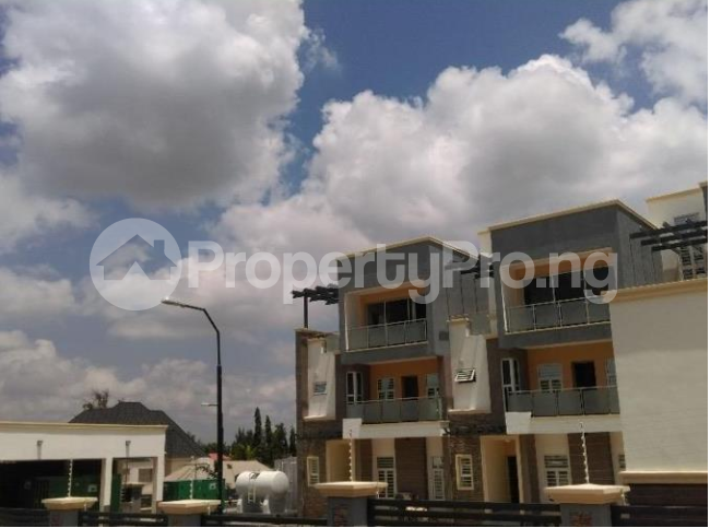 3 bedroom Church Commercial Property for rent Near Karmo Idu Abuja - 2