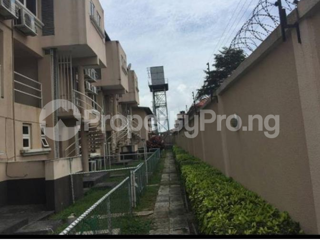 4 bedroom Church Commercial Property for rent Area One Shopping Center Wuye Abuja - 0