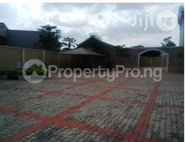3 bedroom Church Commercial Property for rent Nepa Area Apo Abuja - 4