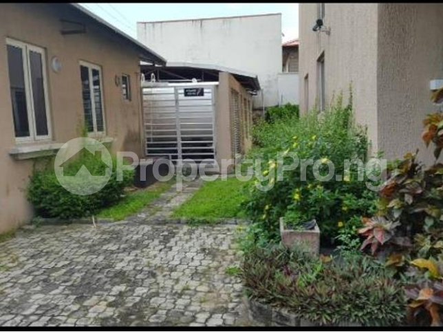 4 bedroom Church Commercial Property for rent Area One Shopping Center Wuye Abuja - 2