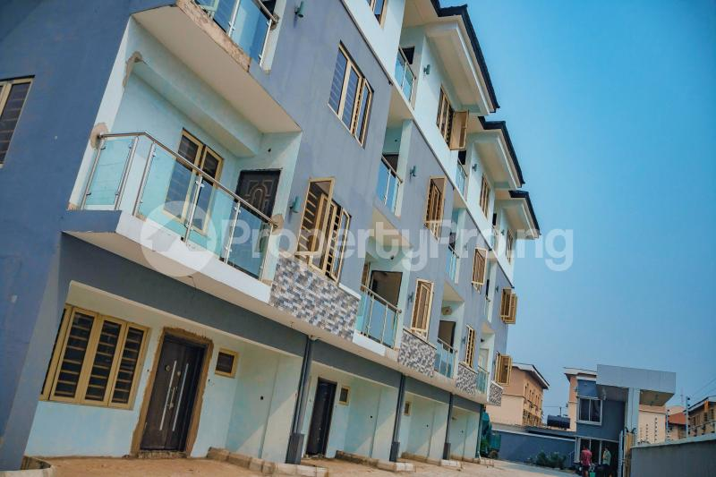 4 bedroom Blocks of Flats House for sale Iponri Surulere Lagos - 0