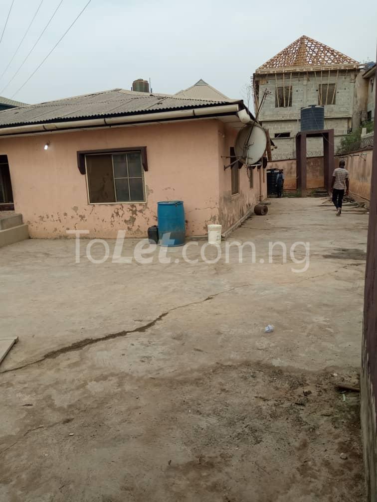 3 bedroom Flat / Apartment for sale No.4 Osemeka street. Osemeka gate, Orile.  Alhaja Ajiboluwa's house Orile Lagos - 2