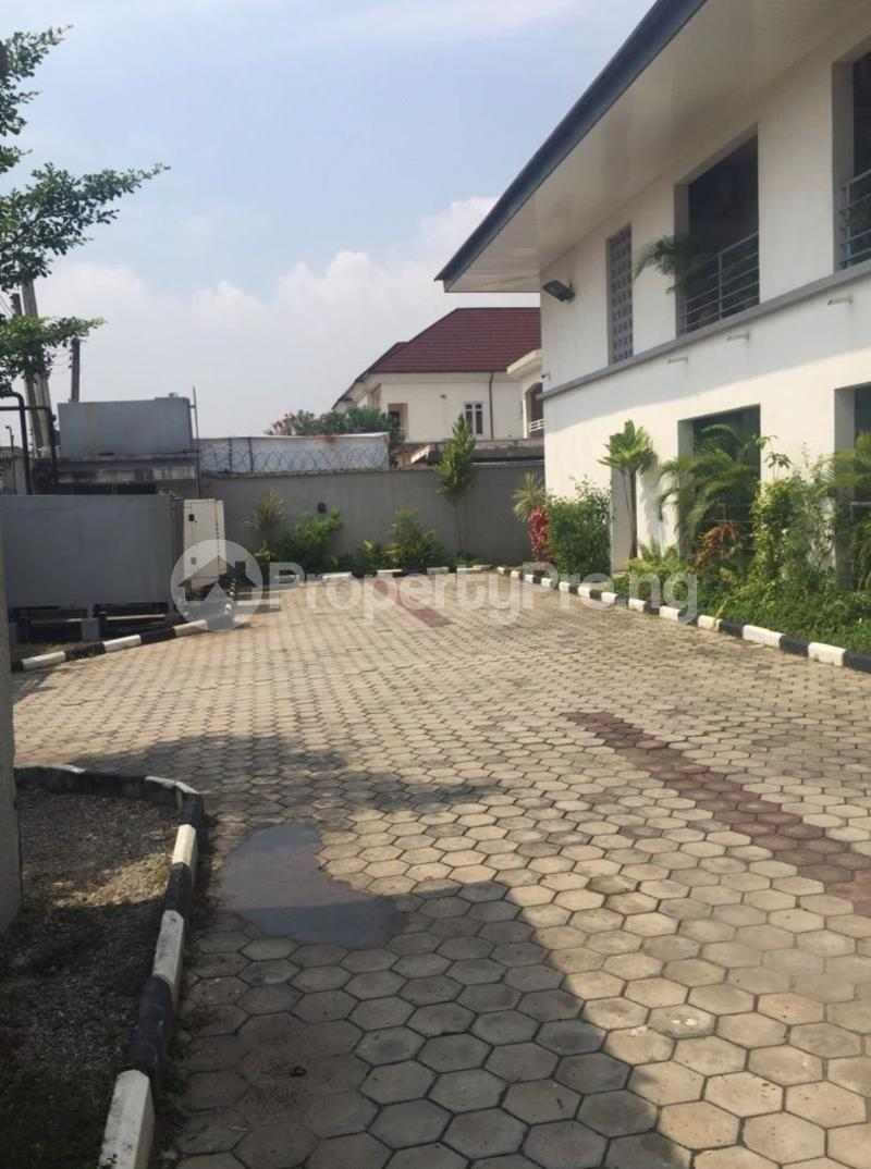 3 bedroom Blocks of Flats House for sale Off admiralty way Lekki Phase 1 Lekki Lagos - 2