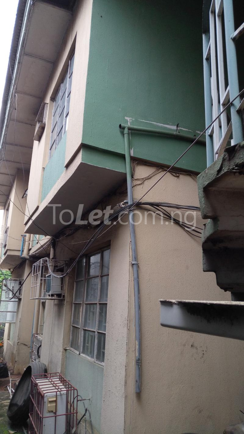 3 bedroom House for sale In Between GTBANK & EcoBank. Airport Road Oshodi Lagos - 3