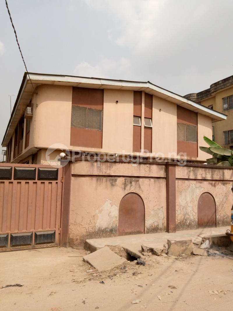 3 bedroom Flat / Apartment for sale Ago palace way Isolo Lagos - 11