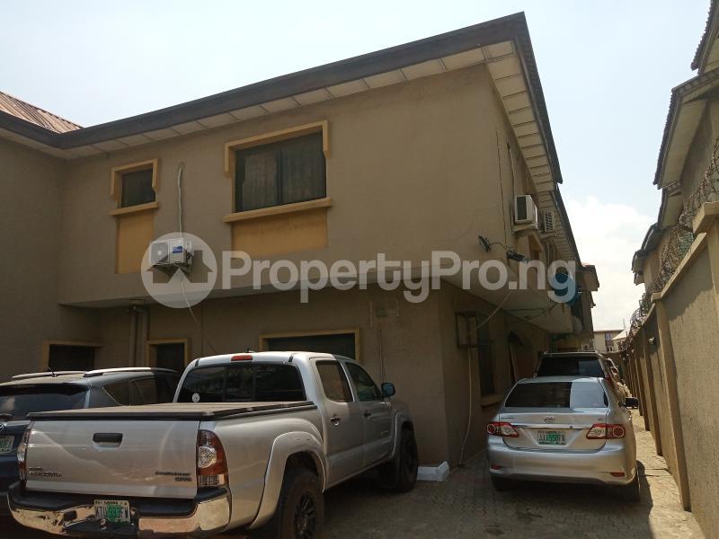 3 bedroom Blocks of Flats for sale Owolegbon Atunrase Medina Gbagada Lagos - 0