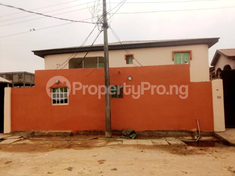 3 bedroom House for sale Owolabi Owolabi junction Okota Lagos - 1